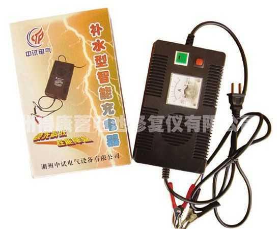 cd-12ft-便携式补水型智能充电器-杭州得康蓄电池修复