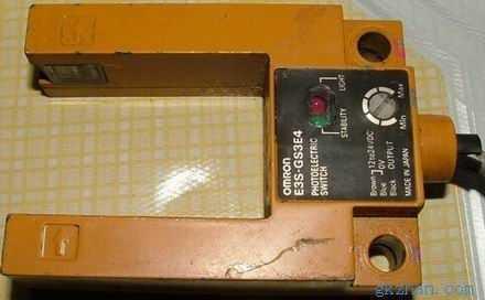 二手光电传感器欧姆龙